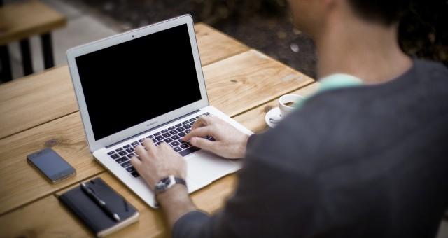 Intraform : un outil de gestion en ligne qui accélère la transmission d'informations